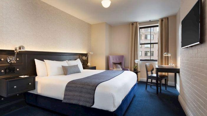 Deluxe King room at frederickhotel newyork