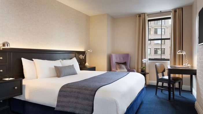 premium-one-king-bed-room-at-frederickhotel-newyork